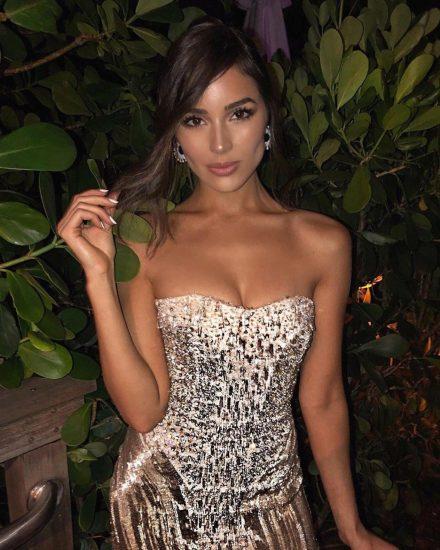 Olivia Culpo cleavage