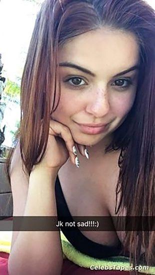 Ariel Winter Nude LEAKED Pics & Sex Tape Porn Video 9