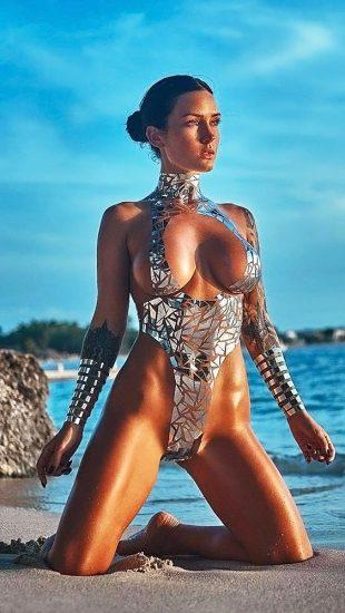 Kayla Lauren with diamonds