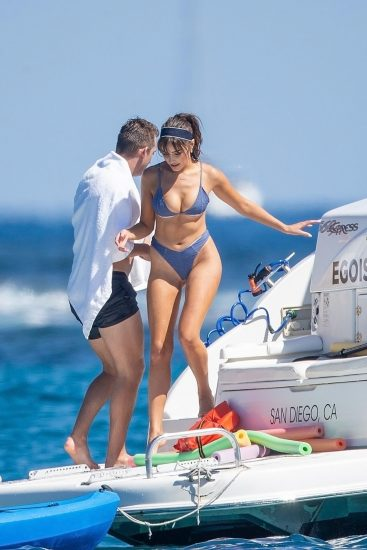 Olivia Culpo Nude & Topless ULTIMATE Collection 36