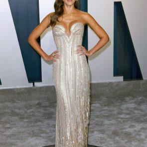 Jessica Alba Nude and Leaked Porn Video – 2020 News! 38