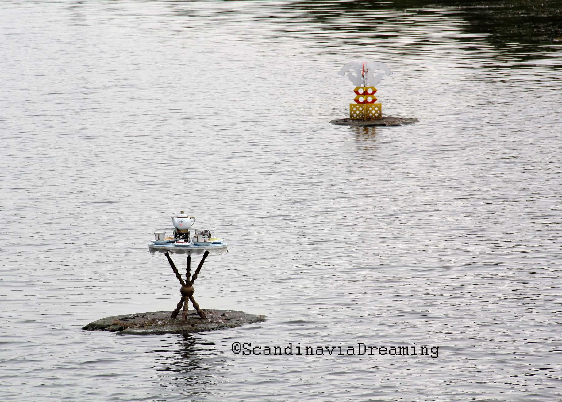 Création flottante sur un lac à Christiania