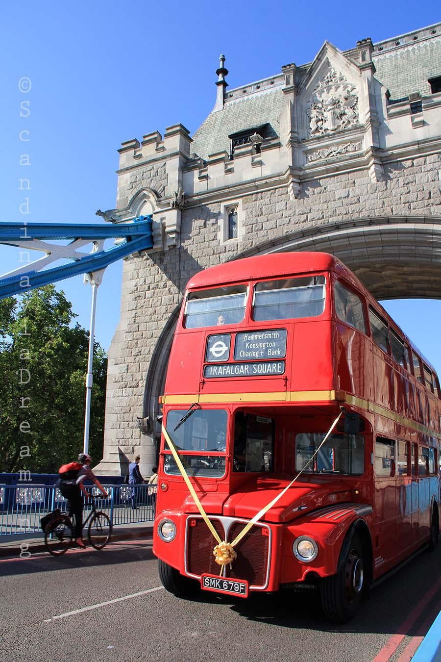 Double-decker sur le Tower Bridge