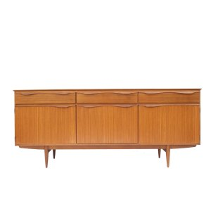Enfilade scandinave vintage, tiroirs alignés (#8)