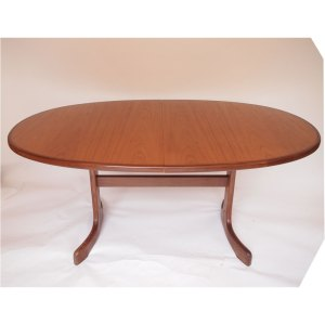 Table de salle à manger ovale, pietement central, vintage scandinave Gplan