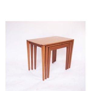 Tables gigognes vintage scandinave, piètement fin