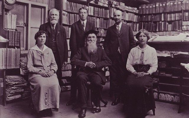 Inspiration for The Professor and the Madman - Prof James Murray and staff