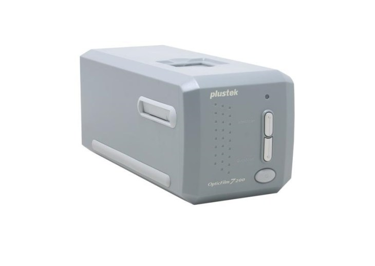 Plustek OpticFilm 7200 7200DPI Best Budget Photo Negative Film Scanner