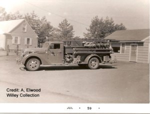 Photo of a 1939 Diamond T Fire Engine