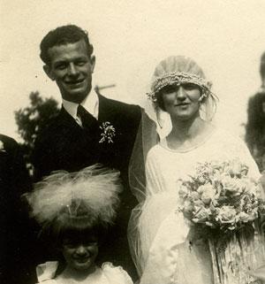Linus and Ava Helen Pauling, Wedding, June 17, 1923.