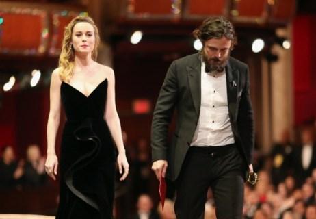 Brie-Larson-_-Casey-Affleck-_-Oscars-2017-_-d