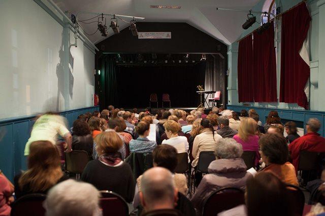 Full Little Theatre