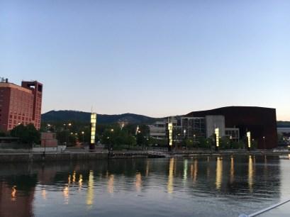 SCB Spain Convention Bureau. Bilbao. Vista atardecer Palacio E. y hotel Meliá