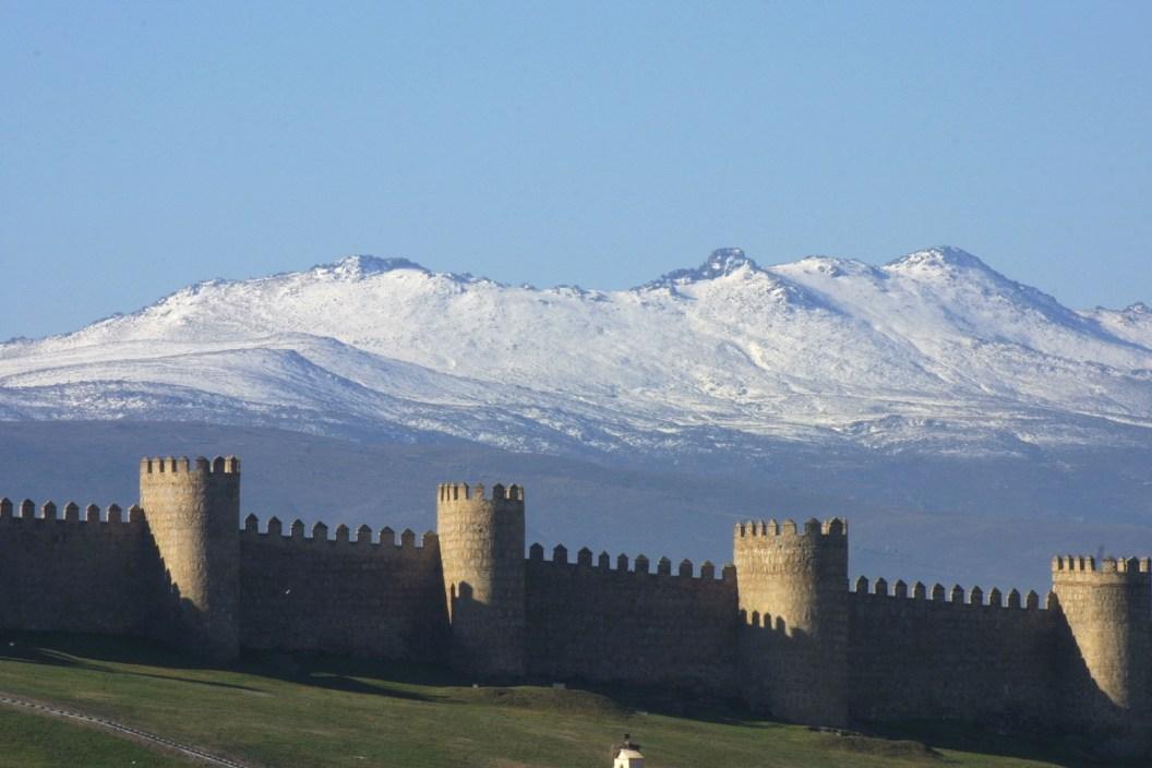 muralla fondo montana