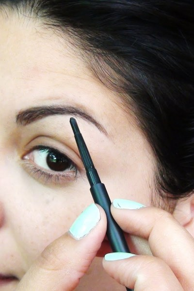 Fix up your over waxed eyebrows in seconds