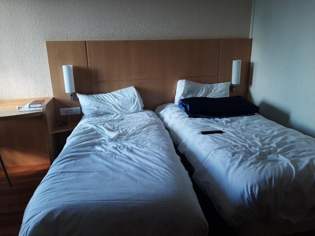 Une chambre de ce centre dhbergement o il est obligatoire de vivre en binme Crdit  InfoMigrants