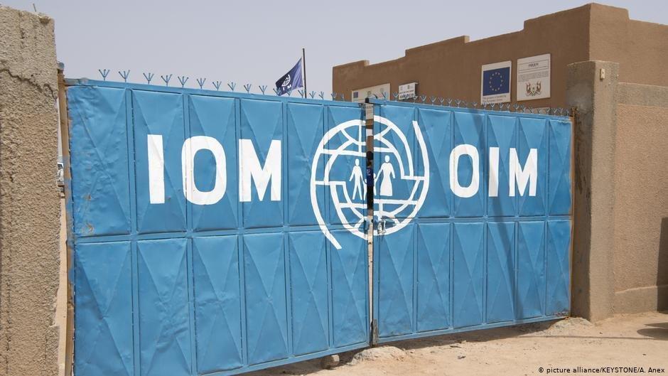 L'OIM a dû construire des locaux supplémentaires à travers le Niger.   Photo : picture-alliance/KEYSTONE/A. Anex