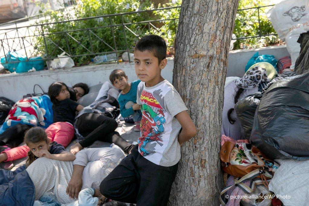 Une famille afghane  son arrive  Athnes aprs avoir quitt le camp de Moria 14 juin 2020   Photo  picture-allianceY Karahalis