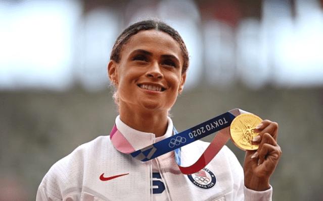 美國選手麥克勞林刷新世界紀錄贏得 400米欄金牌