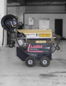 Used Landa PHWS4 pressure washer for sale