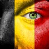 21621508-bandiera-belga-dipinta-sul-volto-di-un-uomo-per-sostenere-il-suo-paese-belgio