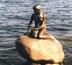 statua_della_sirenetta_copenaghen