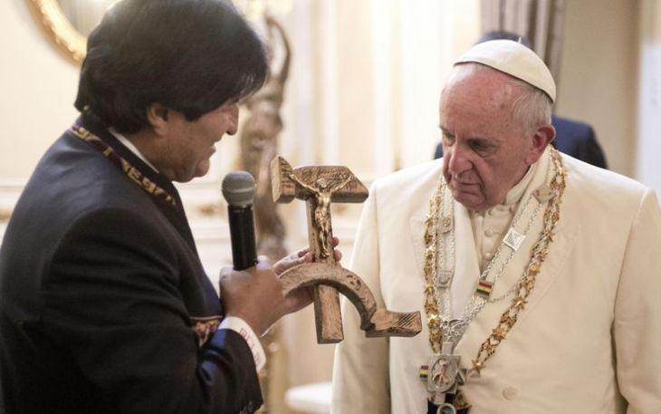 Accettate gli immigrati, si, ma a casa vostra, non in Vaticano.