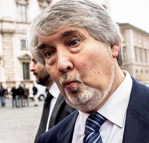POLETTI: LA LAUREA SERVE SOLAMENTE A CHI NON CE L'HA! (di A.M.Rinaldi)