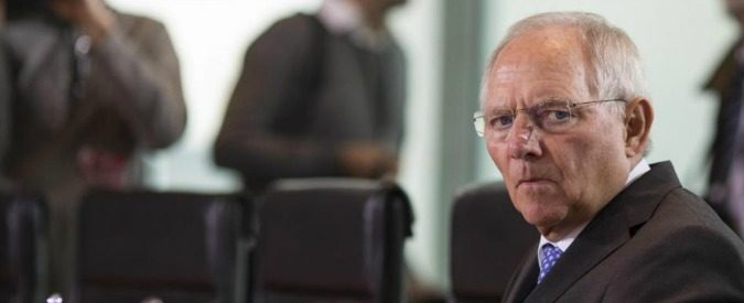 Finanzminister Wolfgang Schaeuble (CDU) vor der Sitzung des Kabinetts in Berlin. / 051114***Weekly meeting of the German federal cabinet in Berlin, Germany, November 5 2014***  Action PressLaPresse  - -Only Italy *** Local Caption *** 19165181