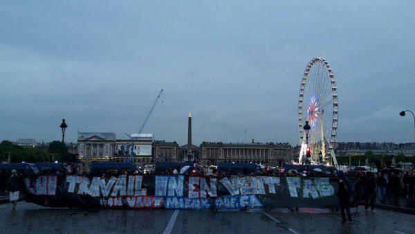 """Il Governo francese mette la """"fiducia"""" sulla """"loi travail"""". La Francia si ribella, ma i nostri media tacciono"""