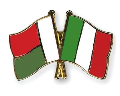 Una volta si facevano le guerre con le armi, oggi le si fanno con lo strumento del DEBITO. L'Italia è sotto attacco da 36 anni. (di Davide Gionco)