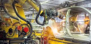 Tiene la produzione industriale italiana, in mezzo a dati internazionali non buoni