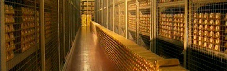 """L'Oro d'Italia ovvero """"La storia del paesello, dei suoi cittadini, del loro tesoro, e delle menzogne, che a forza di venir ripetute, sostituirono la realtà"""""""