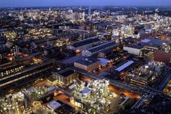 BASF LANCIA UN ALLARME UTILI, L'EUROPA TREMA. Manca la crescita, l'industria trema
