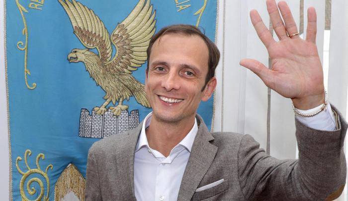 FREDRIGA: CRISI DI GOVERNO E LE BALLE SULL'AUMENTO IVA