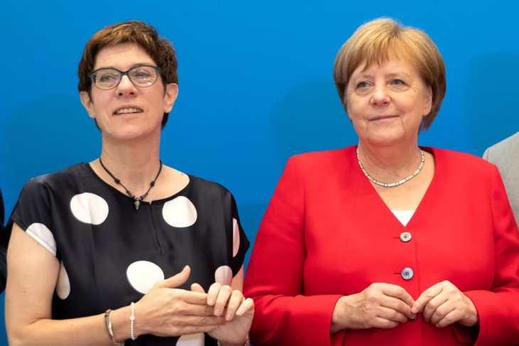GERMANIA: LA CDU STA IMPLODENDO. Ovvero il potere logora chi non ce l'ha.