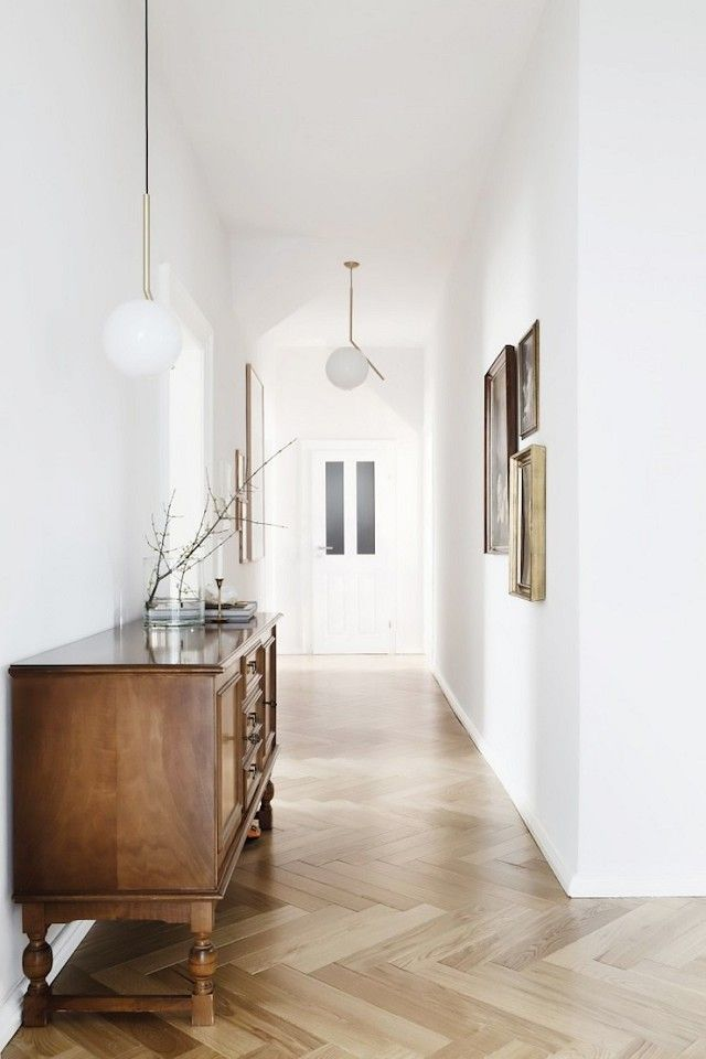 pedant lamp in the hall, light fixtures for home staging