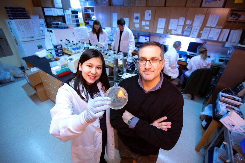 Xiane Smith '20 and Professor Militello in the lab