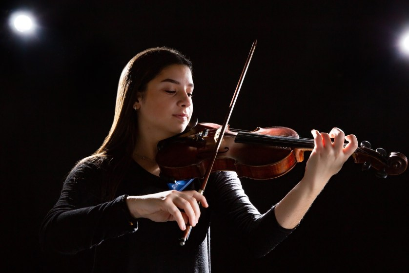 Cally Issidoridis '22 plays the violin.