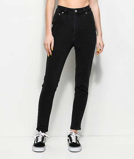 This website has some of the best cute cheap jeans!