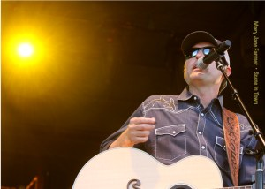 Casey Donahew, photo by Mary Jane Farmer