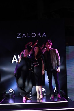 Fashion Designer of the Year Vania Romoff together with Gigi Mabanta, Head Buyer, ZALORA Philippines and Luis Hontiveros