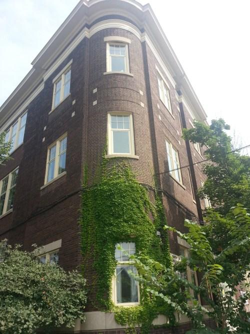 23. Niagara Street School