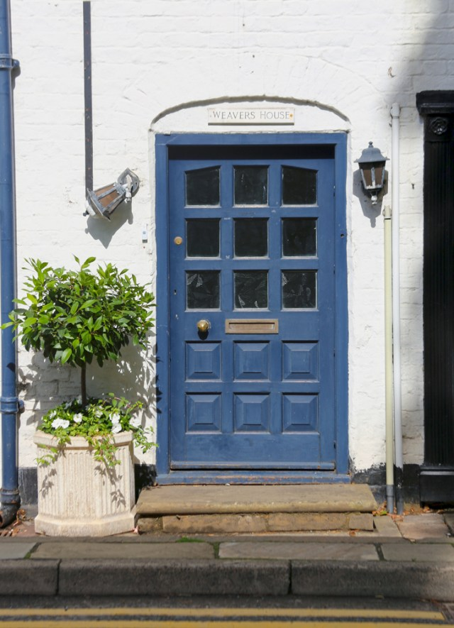 Scene Of The Day Cottage Doors Scene Therapy