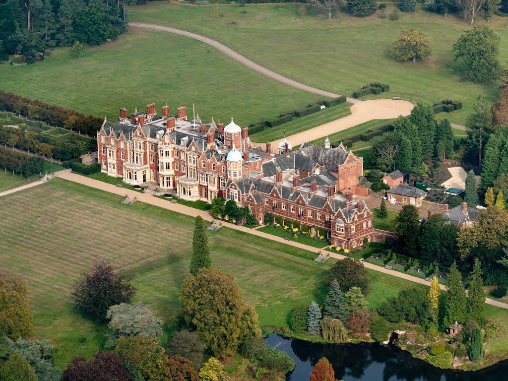 The Royals at Christmas: Inside Sandringham House - Scene Therapy