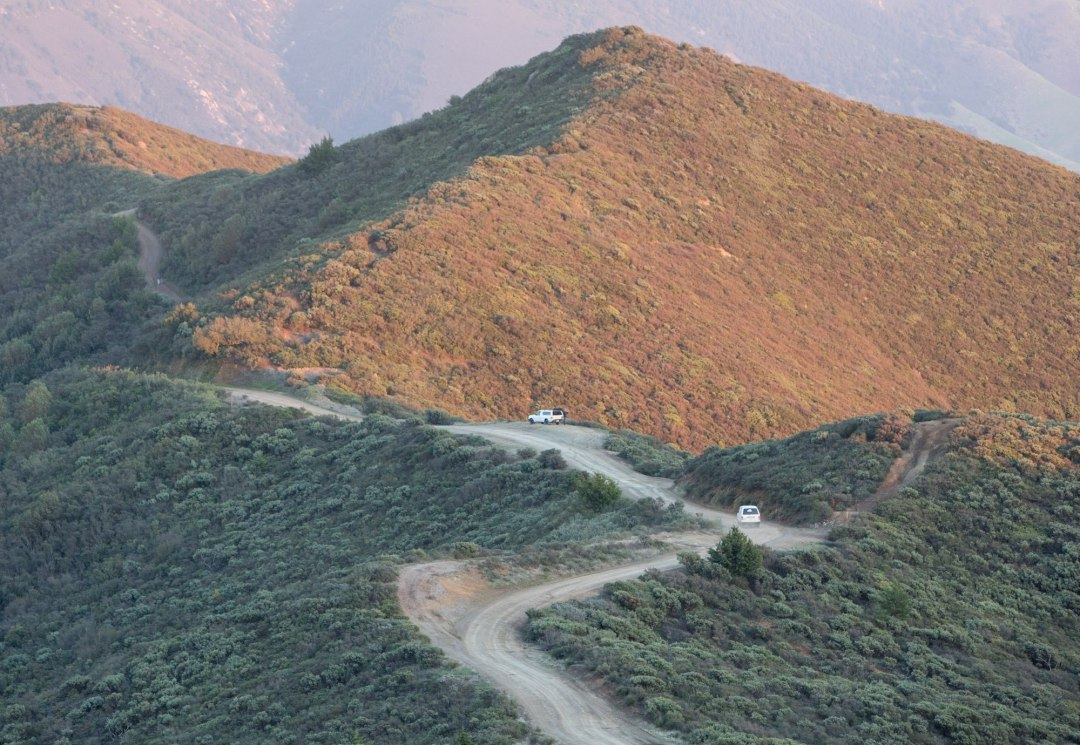 This road hugs the ridge line up above the coastal mountains of California, offering some fantastic views and sunsets!