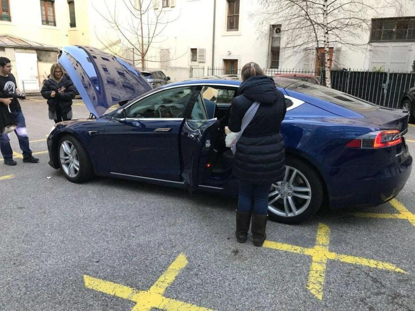 El Gato de Turing probando el Tesla Model S