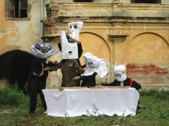 Puppetry scenography - Mask Movement (2)