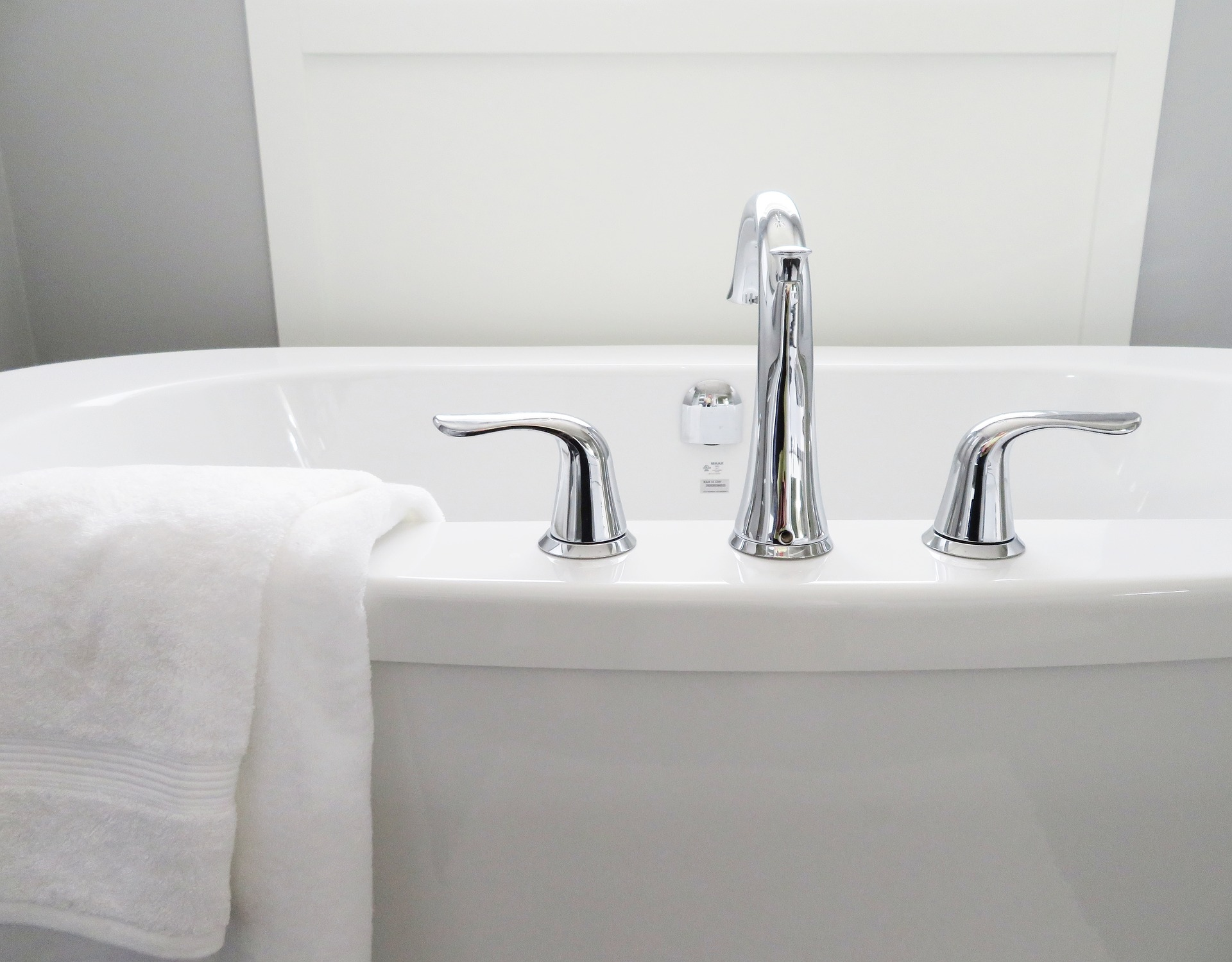 Quick And Easy Habits For An Always Clean Bathroom