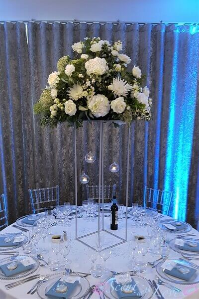 Pedestal Table Centre